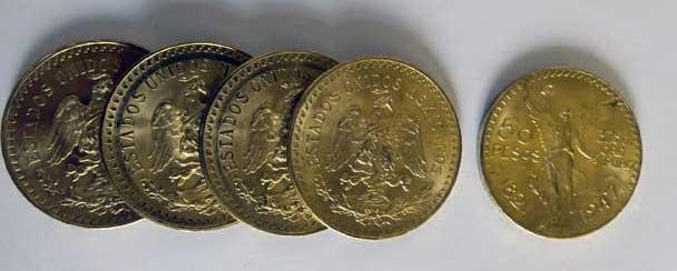 Les 50 Pesos en or ne sont guère disponible en France.